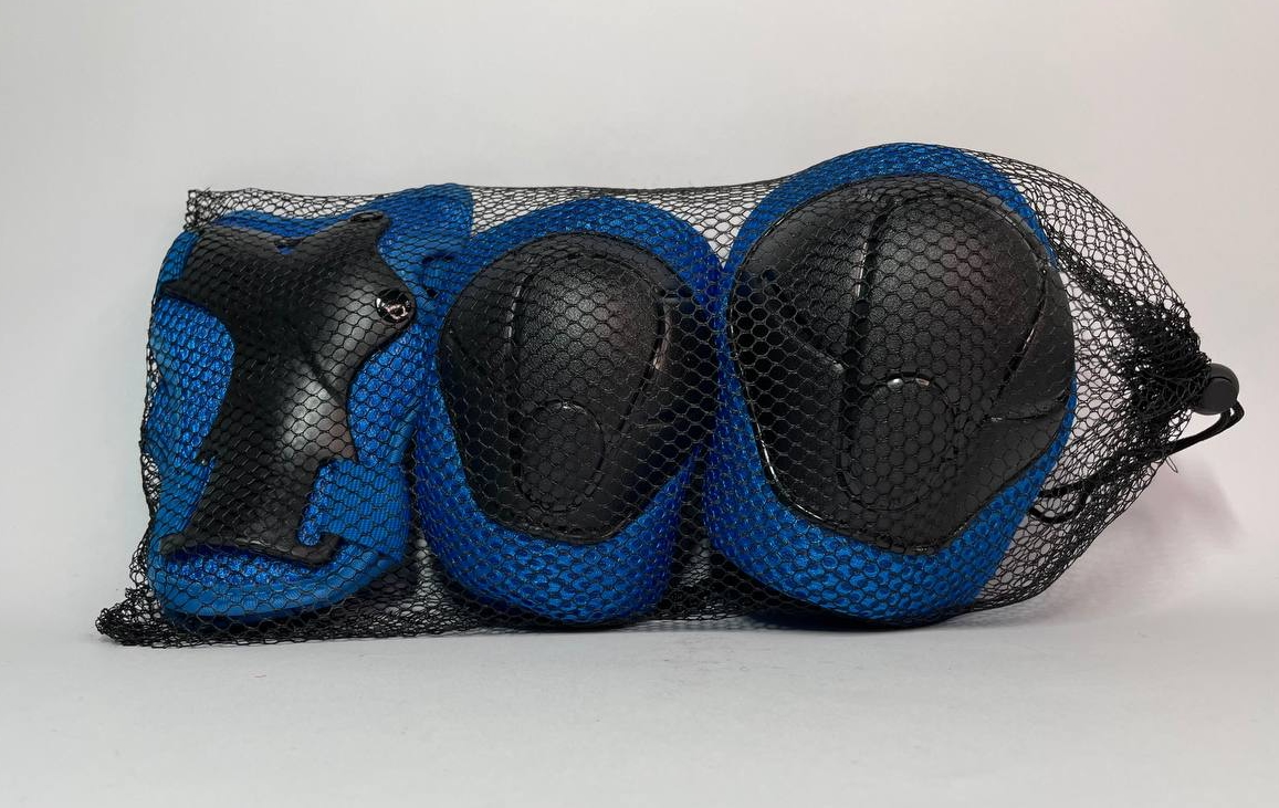 Набір захисної екіпіровки дитячий з шоломом синій